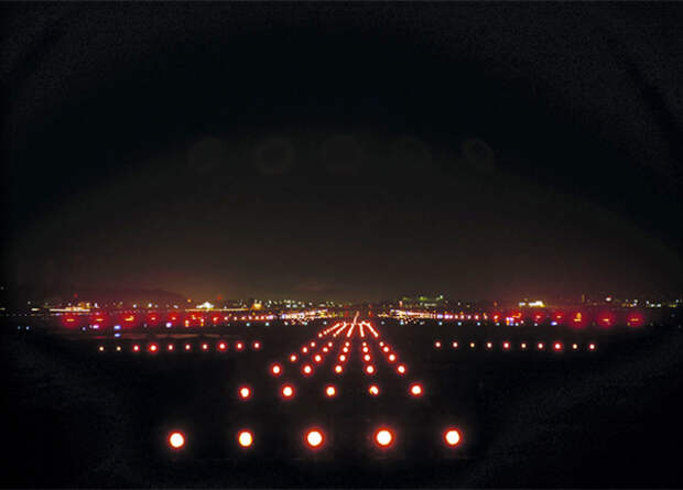 ОПК оборудует аэродромы новыми посадочными системами