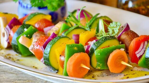 Шеф-повар Павлов поделился полезными рецептами блюд для пикника