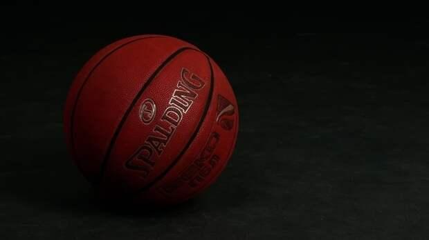 Баскетболист потерял сознание и умер во время любительской игры в Москве