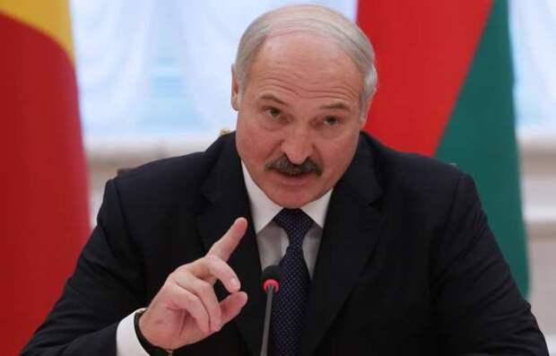Зеленскому пора научиться себя вести, — Лукашенко (ВИДЕО)