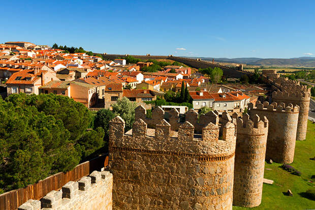 Крепостные стены Авилы, Испания