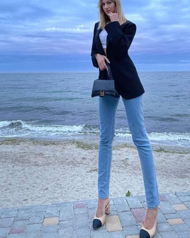 Леся Никитюк шокировала неестественно длинными ногами