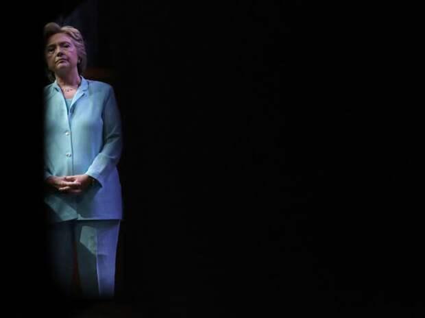 Журналисты обнаружили у Клинтон мочеприёмник (фото)