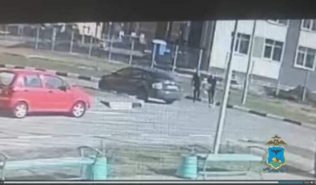 Кража изшколы вСтаром Осколе попала навидео