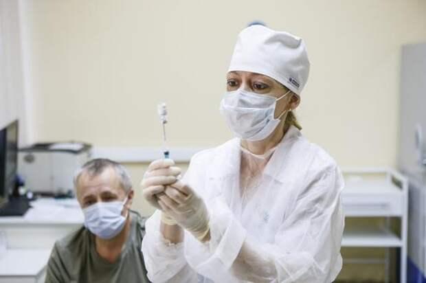 Эпидемиолог Гущин оценил вероятность вакцинированных «Спутником V» заразить коронавирусом