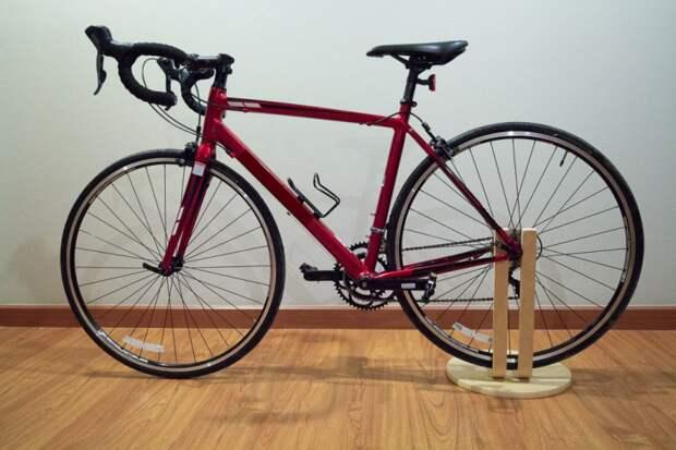 Парковка для велосипеда. Made in IKEA.