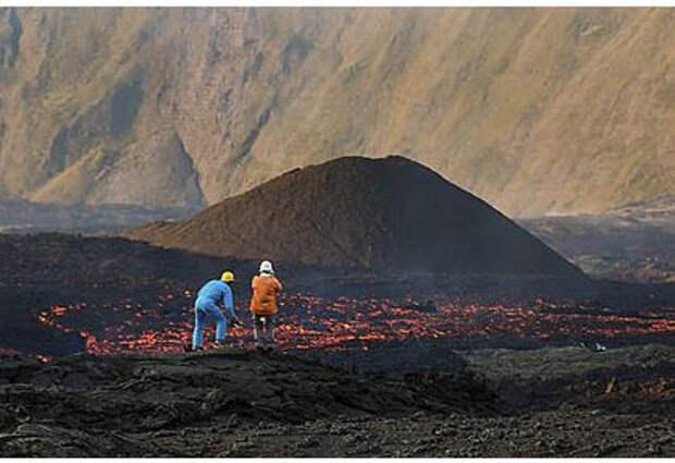Проснувшийся в Исландии вулкан выставили на продажу