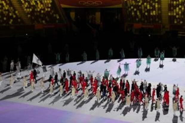 Делегация России приняла участие в параде на церемонии открытия Олимпиады