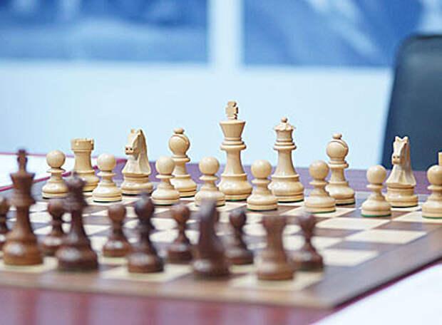 В двух шагах от Карлсена. Лидирует Непомнящий, однако конкуренты не теряют надежду догнать россиянина