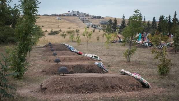 Журналисты ФАН подготовили репортаж о битве за Саур-Могилу в Донбассе