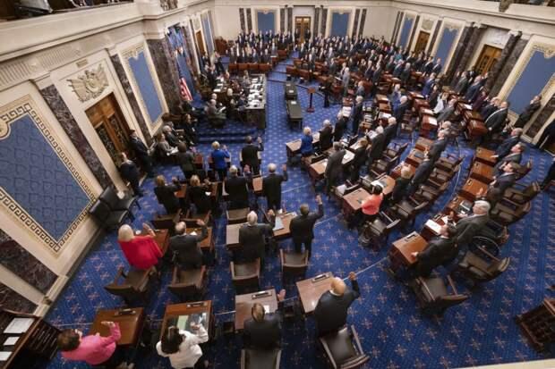 Демократы в Сенате США предложили выделить $350 млрд на экономическую гонку с Китаем