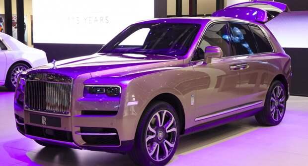 Rolls-Royce Cullinan 2021 года демонстрируют свои уникальные цвета в Шанхае