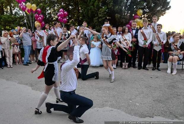 «Последние звонки» пройдут не для всех школьников Севастополя