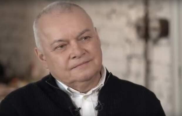 Челябинские рабочие ответили Киселеву, который им посоветовал следить за собой, чтобы дожить до пенсии