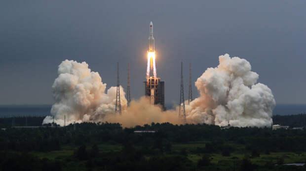 Научный обозреватель развеял опасения о столкновении китайской ракеты с Землей
