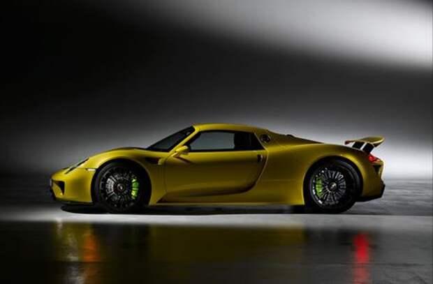 Поставили на паузу: преемник Porsche 918 затерялся среди новинок