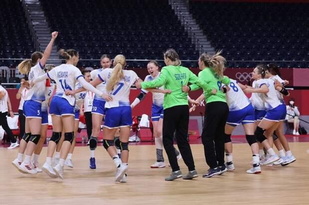 Россиянки сыграли и за себя, и за Черногорию. И теперь в одном шаге от медалей