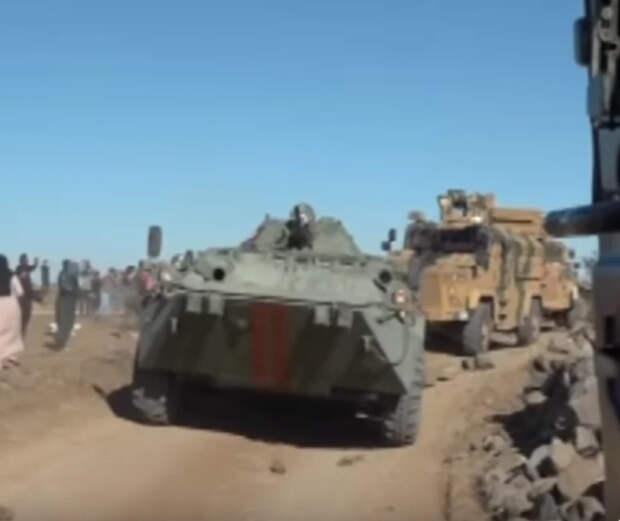 Как два российских бойца вышли и отбили у курдов желание кидать камни в наши машины военной полиции