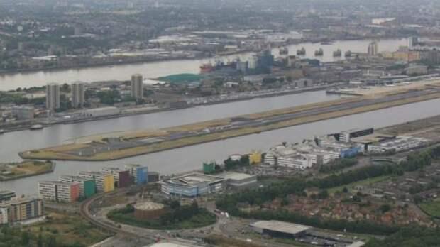 London City Airport сообщил о возобновлении полетов после захвата взлетной полосы