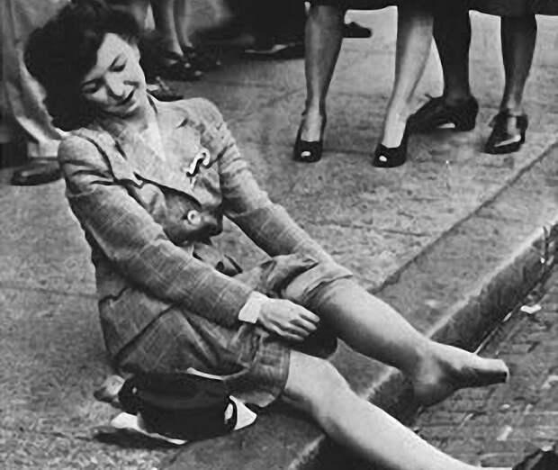 Виражи истории: как парашюты заставили женщин брить ноги