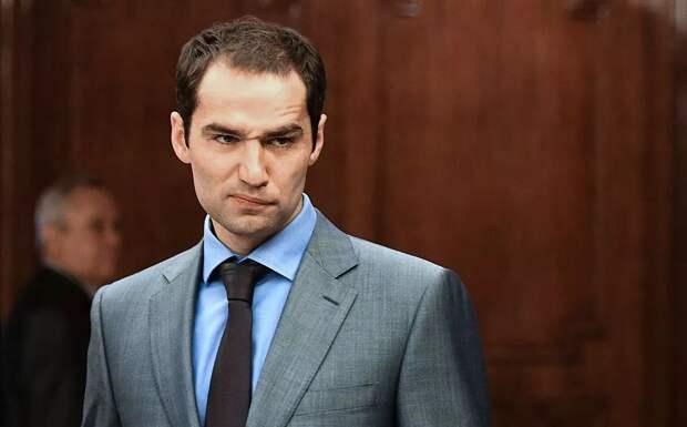 Широков продал бутсы, в которых избил арбитра Данченкова, и перевел деньги в детский дом