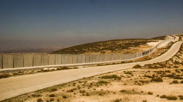 Тысячи иорданских демонстрантов поддержали Палестину у израильской границы