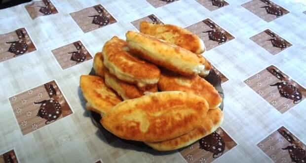Пирожки на кефире с очень вкусной начинкой! Не впитывают в себя растительное масло