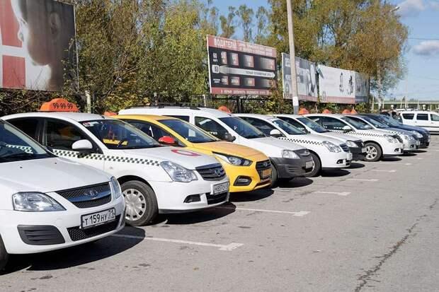 В Туле женщина устроила скандал водителю такси