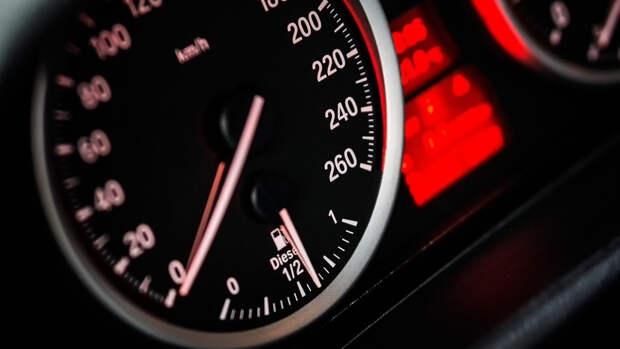 Наказание за превышение скорости хотят ужесточить в России