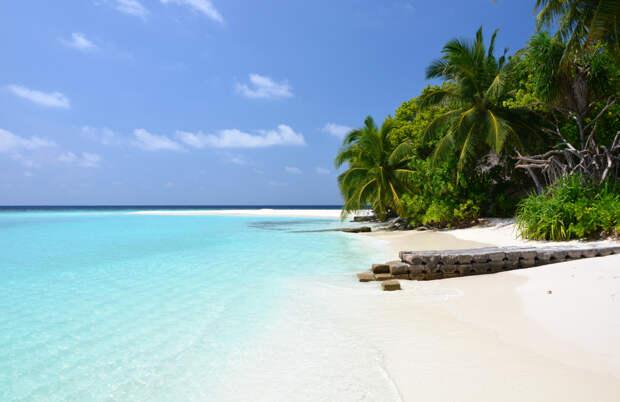 Мальдивы вводят налог на выезд с островов
