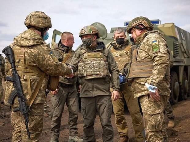 «Армия готова»: Зеленский назвал контролируемой ситуацию в Донбассе