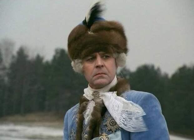 1990 - Царская охота (в роли Григория Орлова актер Александр Голобородько)