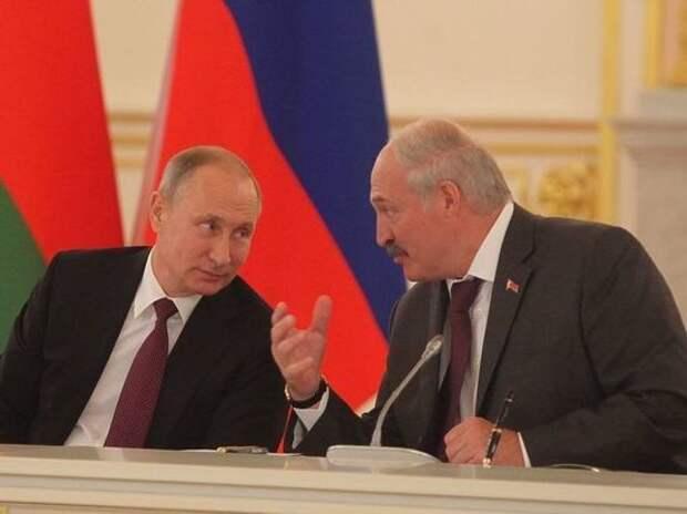 Лукашенко в присутствии Путина сравнил россиян с муравьями