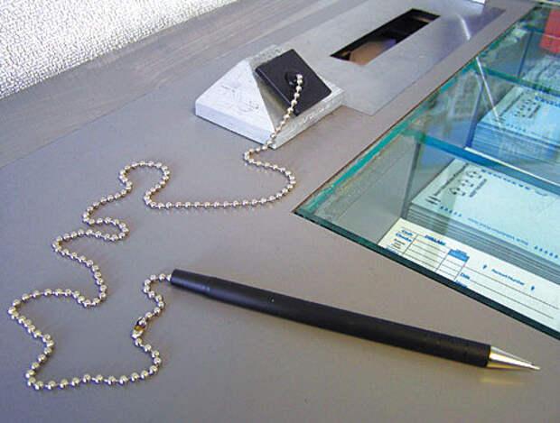 Картинки по запросу привязанная ручка в сберкассе