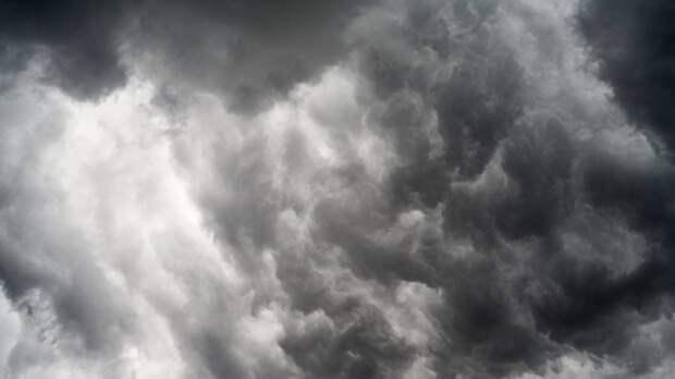 Синоптики предупредили петербуржцев о дождливой и облачной погоде 26 октября