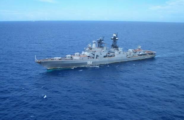 """""""Смеётся тот, кто смеётся последним"""". Иностранцы обсмеяли российский корабль, а оказалось это был """"ржавый"""" эсминец USS Chafee"""