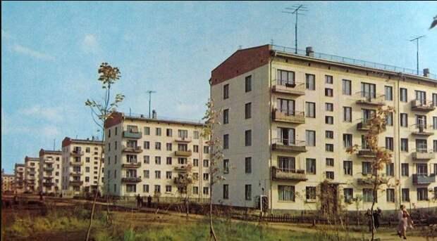 Про мою любимую советскую хрущевку, сколько носков в год полагалось гражданину и пластмассовые дома