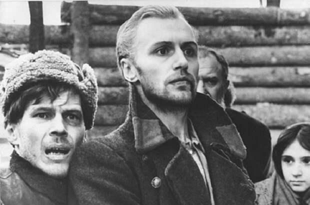 Фильм рассказывает о судьбе двух партизан, попавших в плен к фашистам.