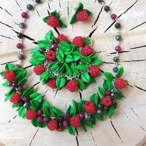 Бижутерия ручной работы с ягодами из полимерной глины