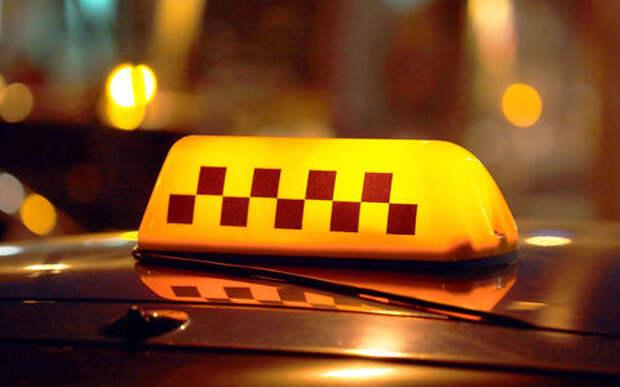 Таксист сбил сотрудника ДПС. В ГИБДД ответили продлением рейда