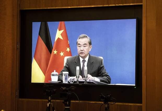 МИД Китая пригласил Израиль и Палестину для прямых переговоров