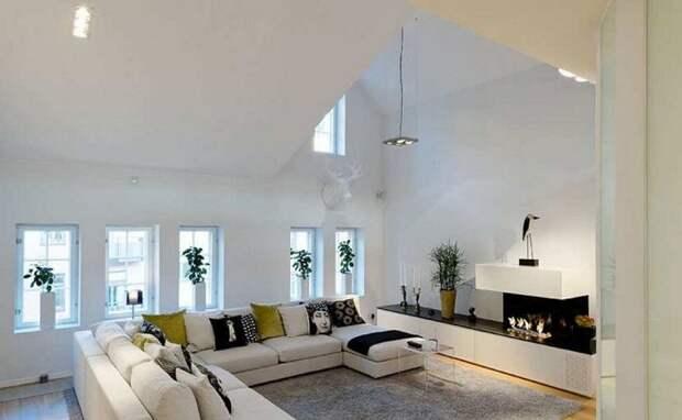 Создать гостиную под чердаком, пожалуй один из лучших вариантов при декорировании дома.