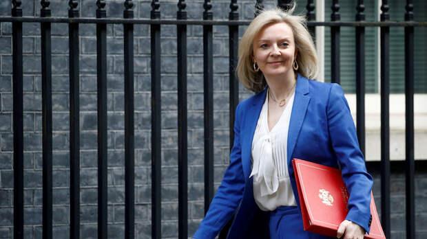 DE: Великобритания нацелилась на торговые партнёрства «нового поколения», пока внутренняя торговля страдает после брексита