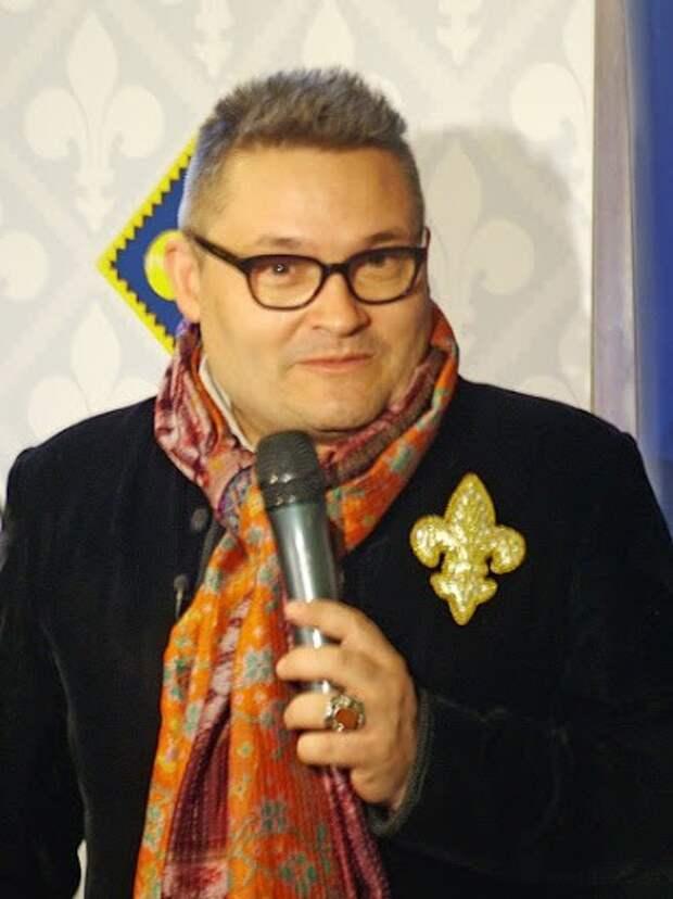 Почему гуру стиля Александр Васильев выглядит как фрик?