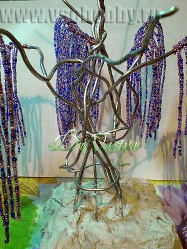 дерево эйва своими руками в процессе изготовления видно загипсованое основание