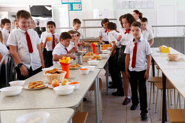 Вице-губернатор Кубани побывала в школьных столовых Краснодара