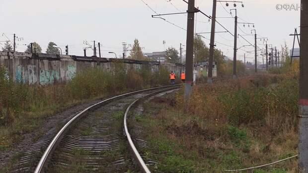 «Приора» в Дагестане попала под поезд из Москвы