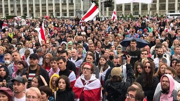 Лавров заявил, что белорусской оппозицией руководит Запад