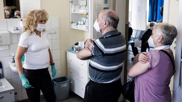 Ученые заявили о способности вакцинации снять долгосрочные симптомы COVID-19