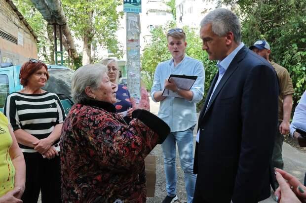 Встречи Аксенова с симферопольцами назвали «показухой»